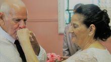 Idosos que se conheceram no Tinder se casam em São Paulo