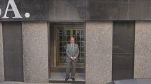 Google Street View 'caza' a Lopera en la puerta de su oficina en Sevilla