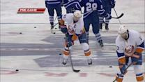 Tavares shows off stick skills in pregame