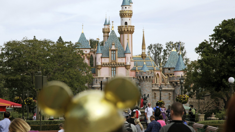 Teen tourist may have brought measles to Calif.
