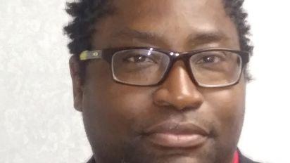 Man sues after bank refuses his valid checks