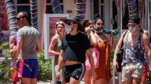 Casos y muertes en baja en Florida, donde se reanudan algunas actividades