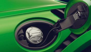 保時捷重押合成燃料延續燃油車壽命:它和電動車一樣環保,可幫忙大減 85% 碳排放