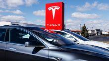Tesla turns negative after David Einhorn questions billing practices