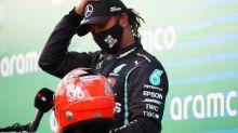F1 - GP de l'Eifel - Grand Prix de l'Eifel: le fils de Michael Schumacher, Mick, remet à Lewis Hamilton le casque de son père