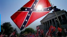 Pentagon bans Confederate flag in way to avoid Trump's wrath