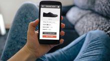 Let the E-Commerce War Begin: Shopify (TSX:SHOP) vs. Amazon