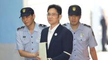 Samsung heir's corruption retrial hangs over phonemaker