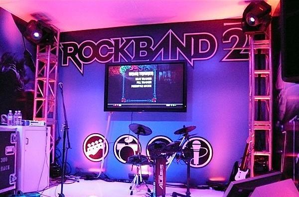 Rock Band 2 Xbox 360 bundle delayed until October 19, according to sources