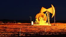 Oil Jumps as Saudis Target American Refiners for Supply Cuts