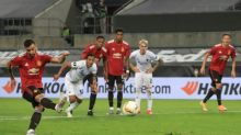 Fernandes penalty lifts Man Utd past dogged Copenhagen