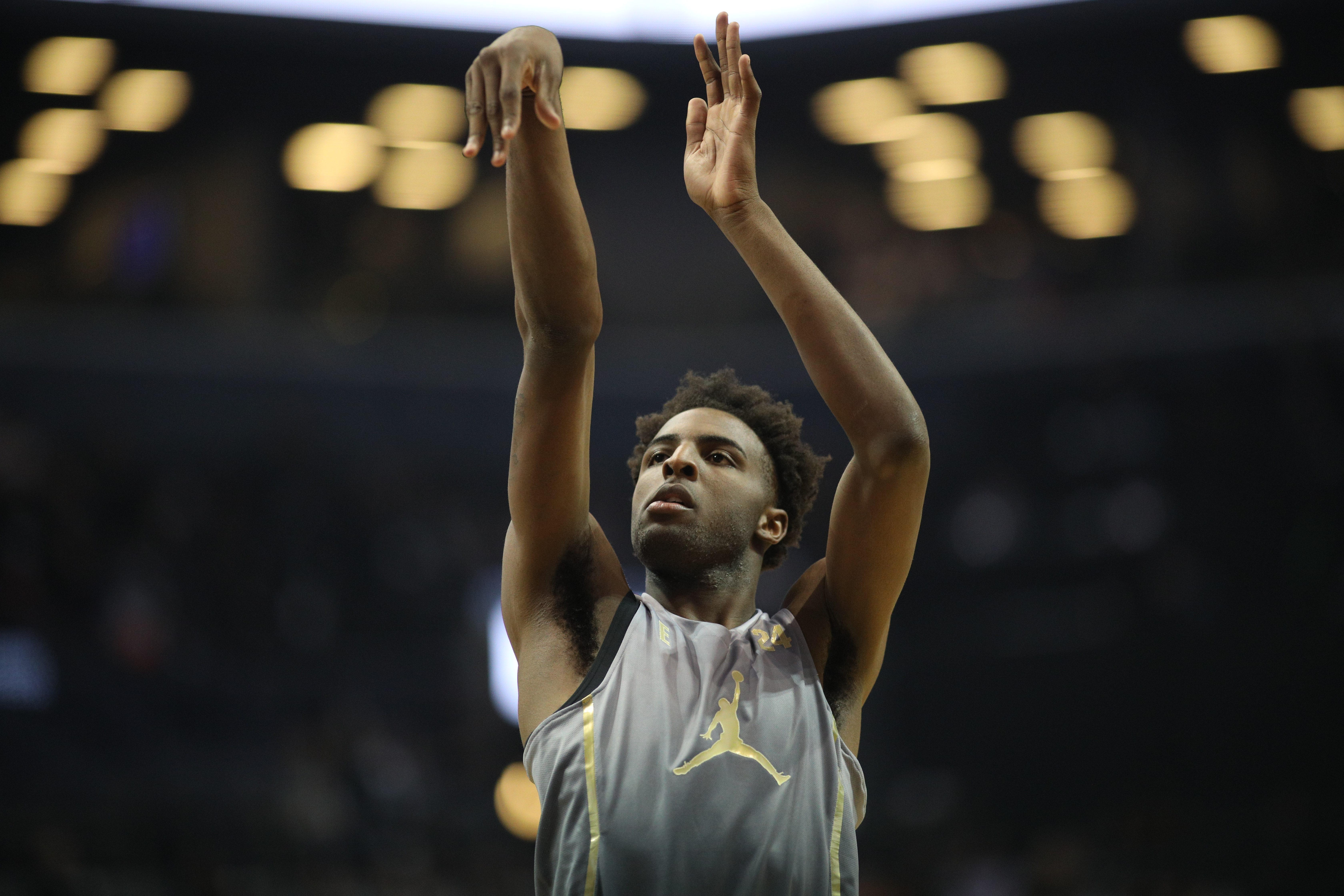 Sources: Five-star recruit Mitchell Robinson not expected to play college basketball this season