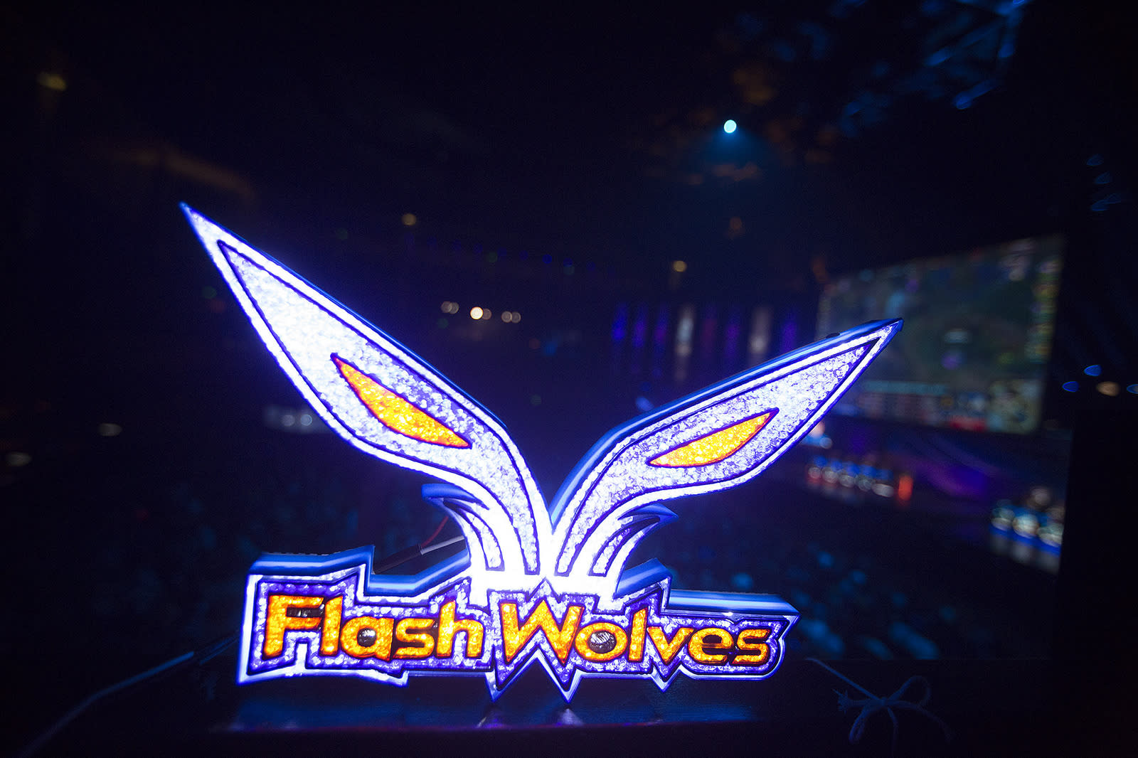 Flash Wolves beats SK Telecom T1, no more undefeated teams ...