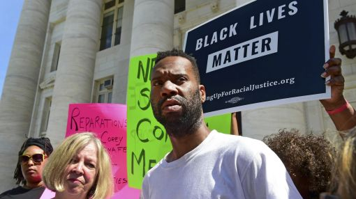 Charges dropped vs. worker who broke window depicting slaves