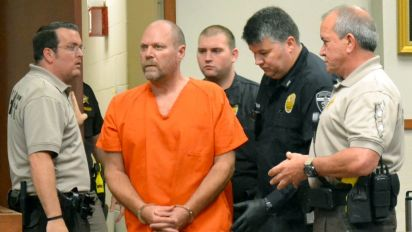 Suspected Ky. gunman charged with hate crimes