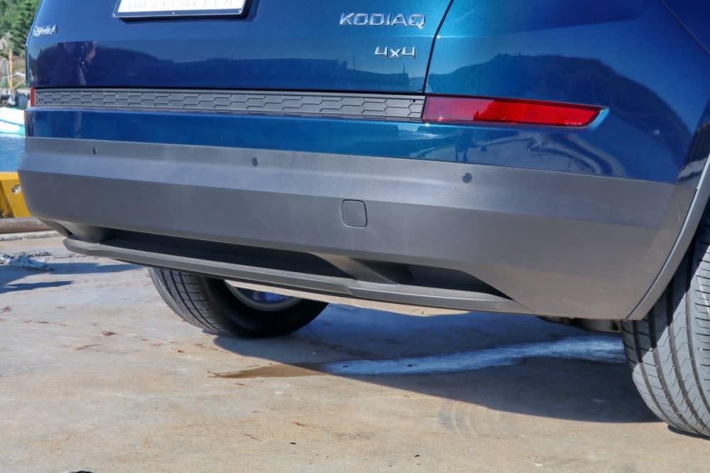 不同於概念車雙尾管設計,Kodiaq全車系採隱藏式尾管