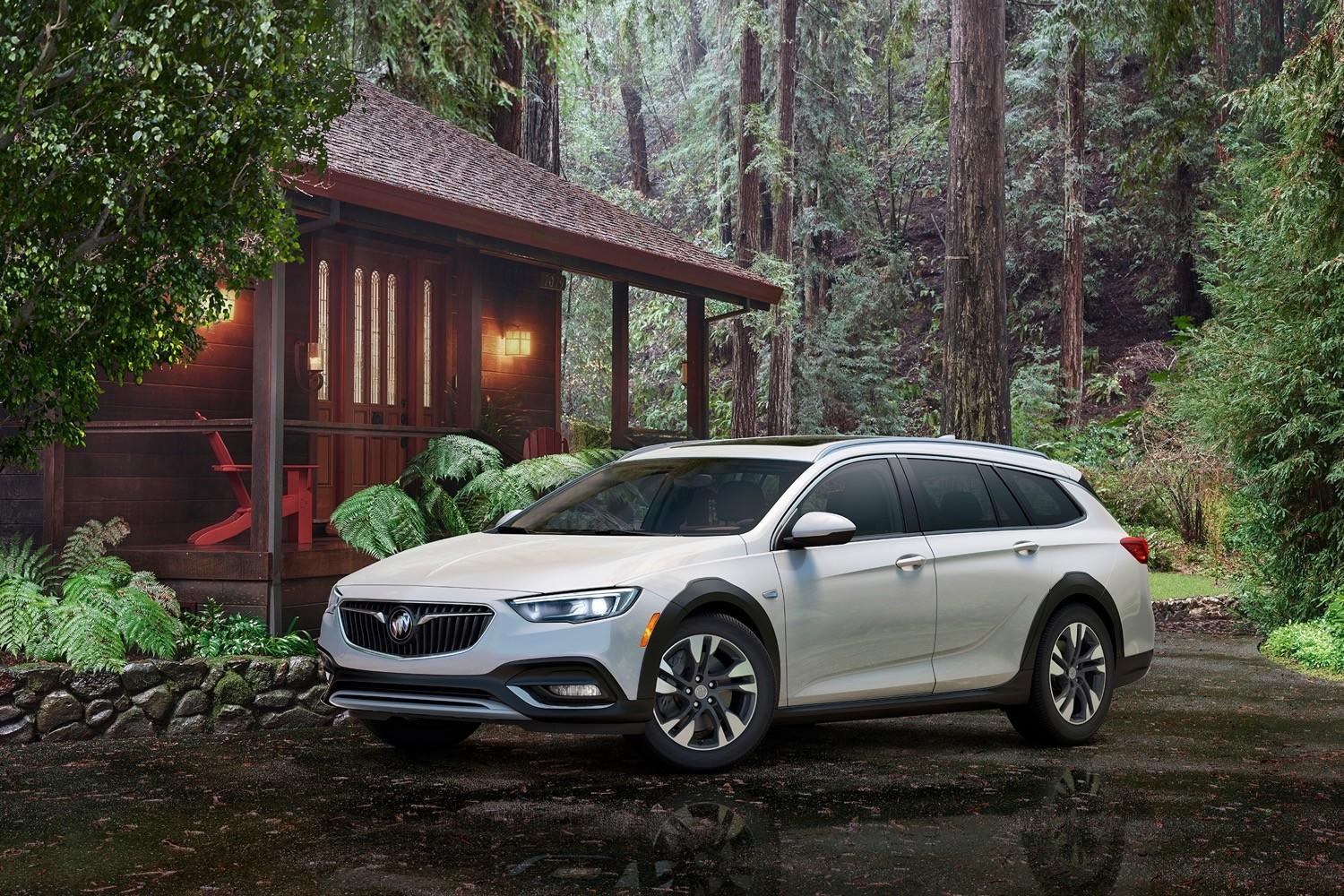 Buick flips the script, will only offer its 2018 Regal as a wagon or