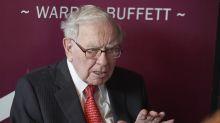 As Buffett seeks big acquisition, Berkshire trails S&P