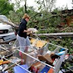 4 dead as killer tornadoes, floods slam Central US