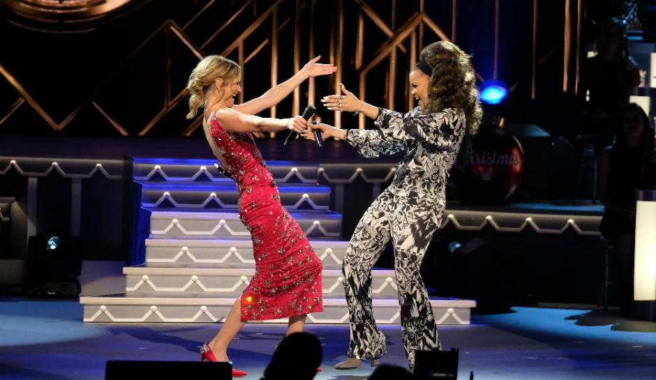 Jennifer Nettles Hosts \'CMA Country Christmas\'