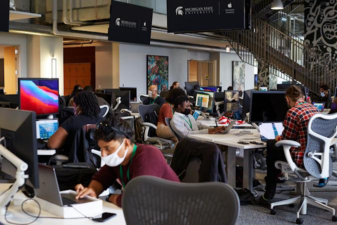 Apple has opened its Detroit Developer Academy to 100 students