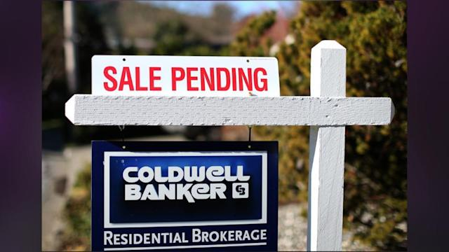 U.S. Housing Recovery Loses A Step As Pending Home Sales Fall