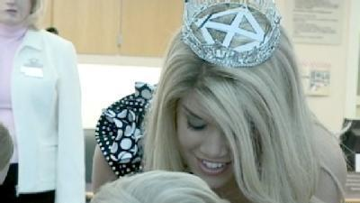 Miss America Visits Local Hospital