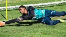 Por que Flamengo não dá chance a Hugo Souza e manterá Gabriel Batista no gol