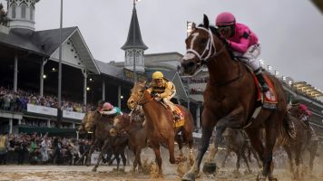 Churchill Downs presents plan to offer winter racing