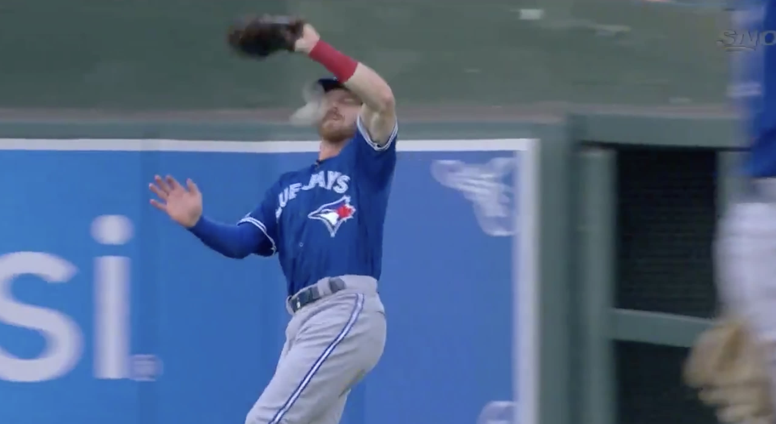https://finance.yahoo.com/news/blue-jays-derek-fisher-leaves-game-after-taking-fly-ball-to-the-face-against-orioles-023725484.html
