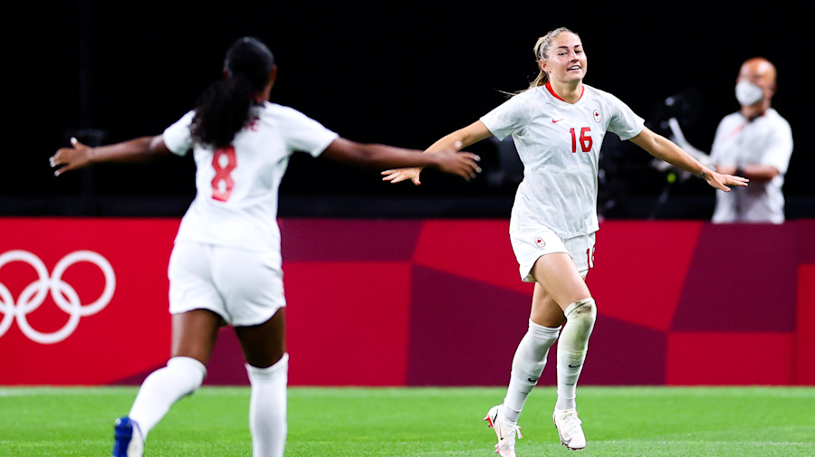Beckie breaks out as Canada beats Chile for 1st win of Games