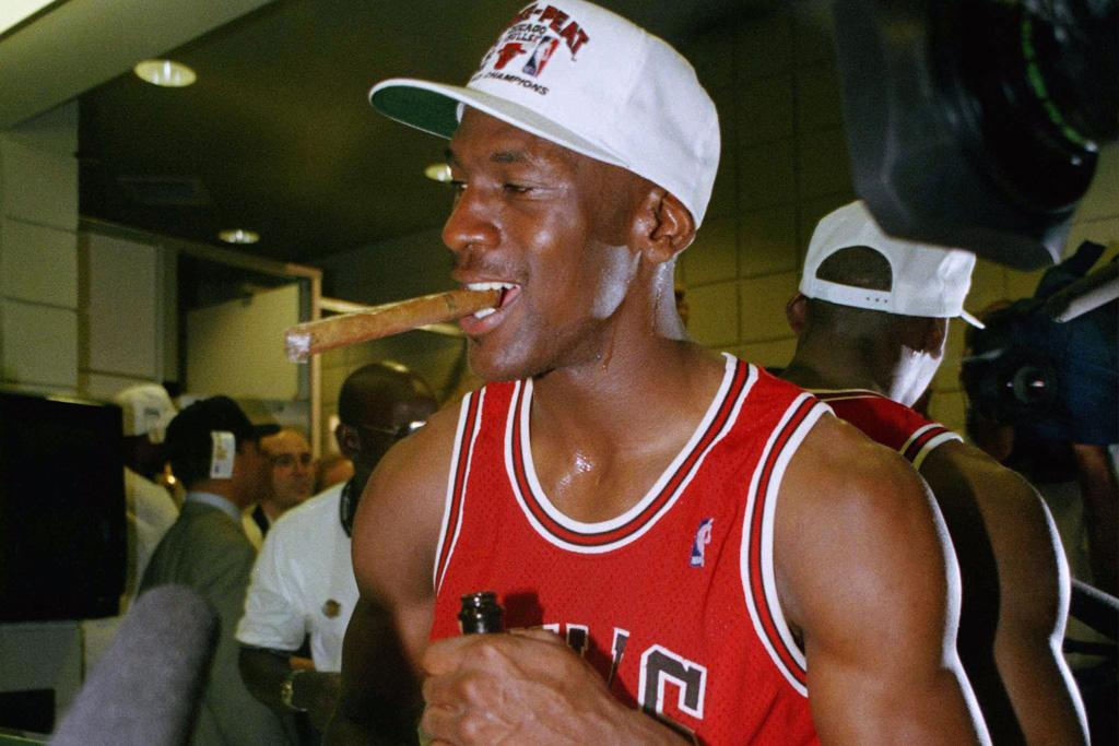 a91f3f0db08 Why Everyone's Still Talking About These 5 Michael Jordan Games — 20 Years  After His Retirement