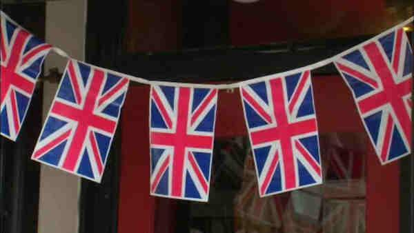 Local reaction to anticipation of birth of 'royal baby'