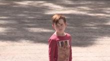Kind geht offenbar verloren – die Reaktion der Passanten macht fassungslos