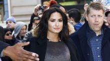 Demi Lovato deixa clínica de reabilitação para ver psiquiatra em Chicago