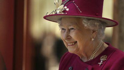 Viel trockener Humor – TV-Interview macht die Queen zur Internet-Sensation