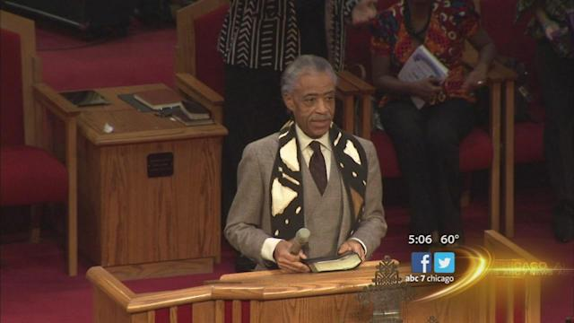 Sharpton in Chicago to address gun violence