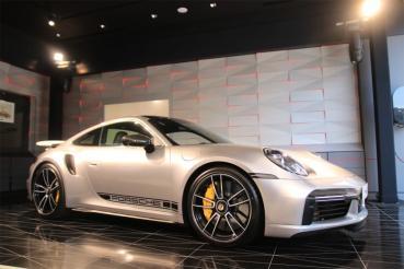 新竹保時捷都會概念店開幕 911 Turbo S驚喜現身