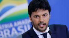Ministro das Comunicações admite informação errada do governo, mas acusa imprensa de 'procurar pelo em ovo'