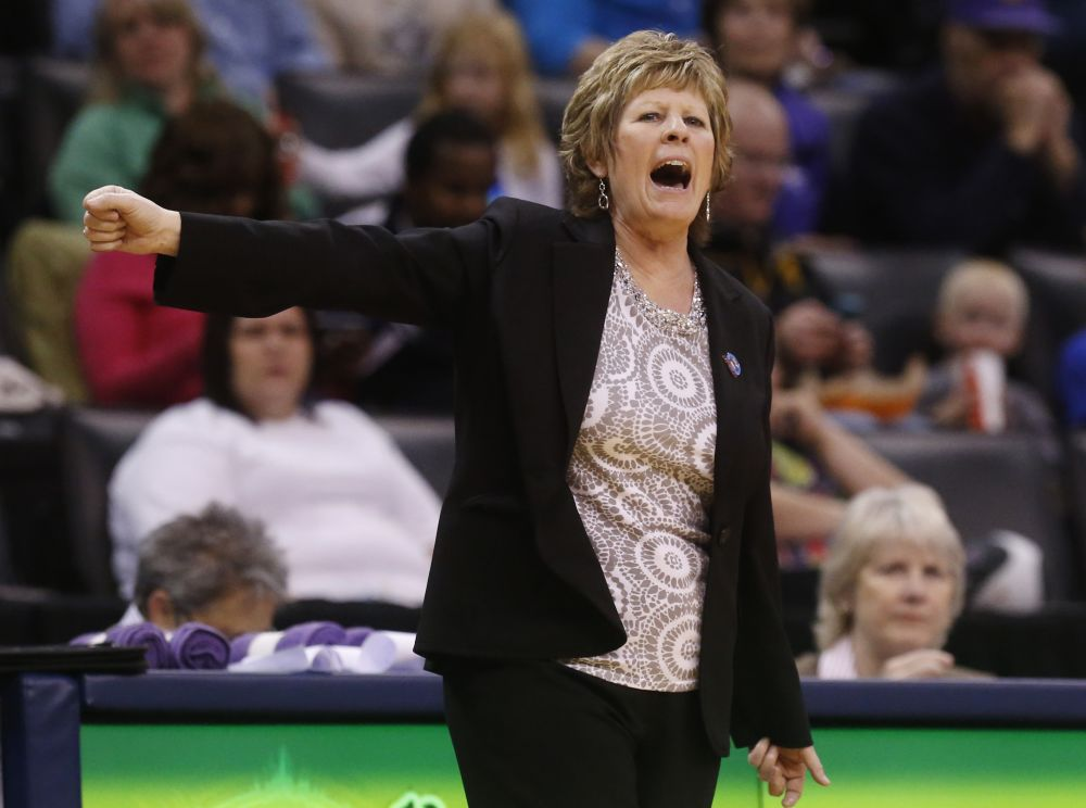 Women's hoops coach Patterson fired by Kansas St