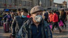 """Virus: l'OMS appelle le """"monde entier à agir"""", premières évacuations d'étrangers"""