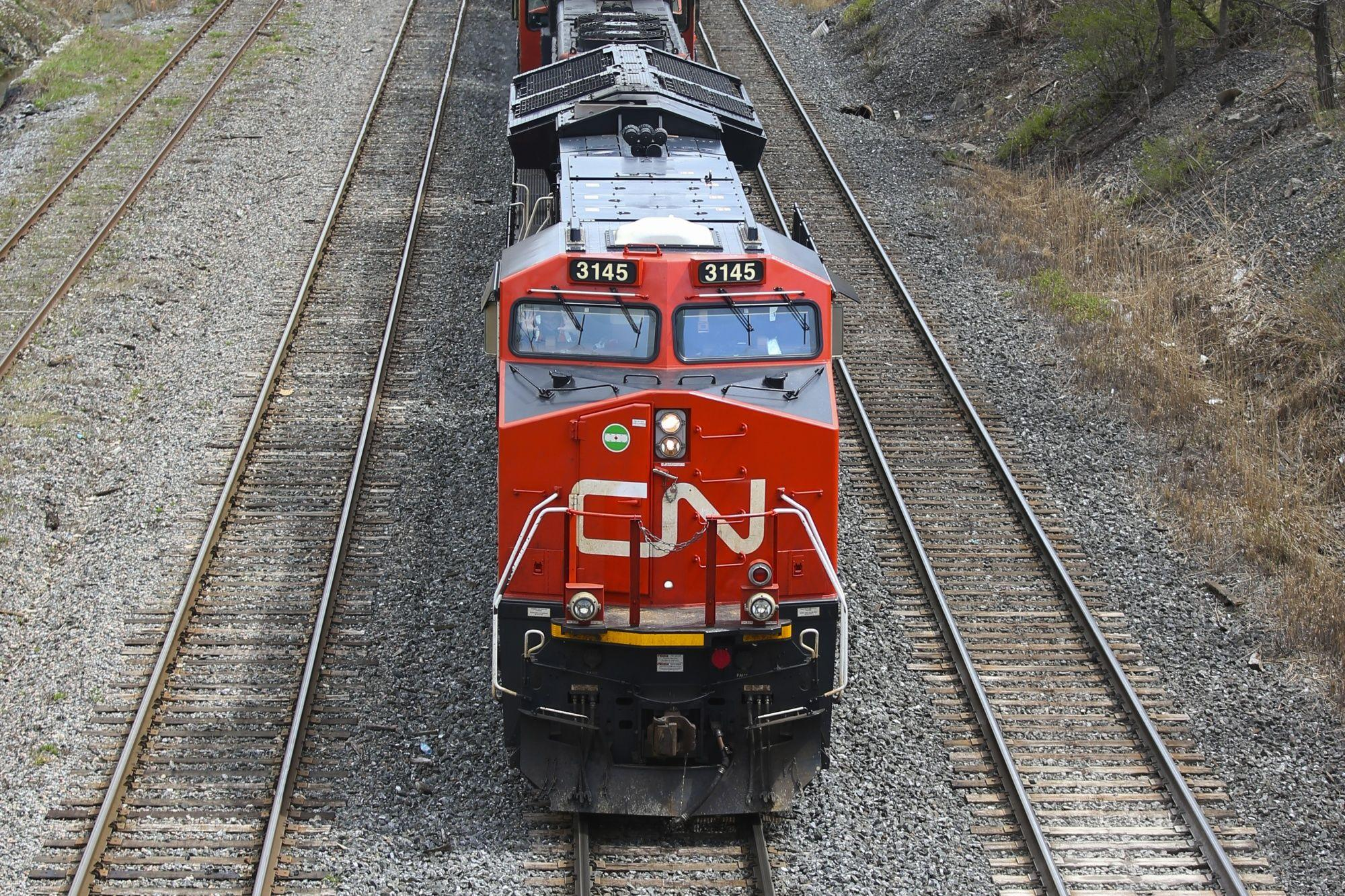 El alza de los productos básicos le da a CN un impulso a la espera de la decisión de adquisición de Kansas City
