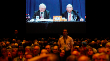 Psychologist explains why people love listening to Buffett and Munger