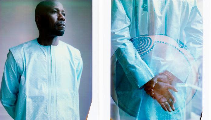 """Avec l'album """"Djourou"""", le maître de la kora Ballaké Sissoko tisse du lien avec d'autres univers musicaux"""