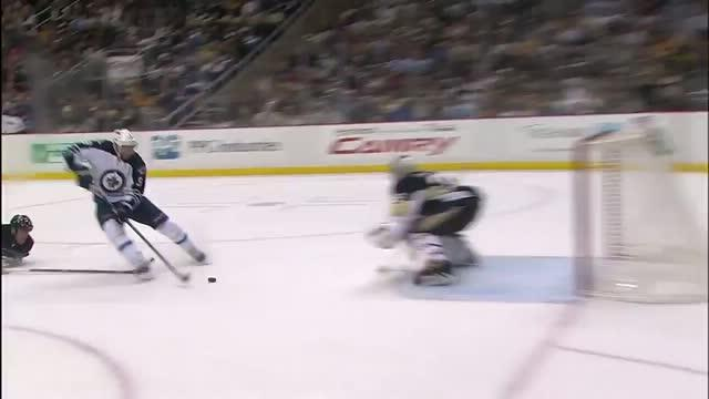 Kane goes to his backhand on the breakaway