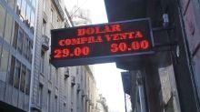 Tras cuatro ruedas en alza, bajó el dólar acompañado por la tendencia internacional