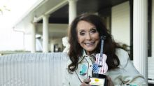 Country Music Icon Loretta Lynn Presented with Second Annual Cracker Barrel Country Legend Award