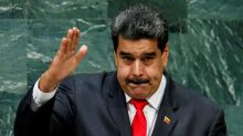 Presidente Venezuela dice refinería Amuay fue atacada el martes con una poderosa arma