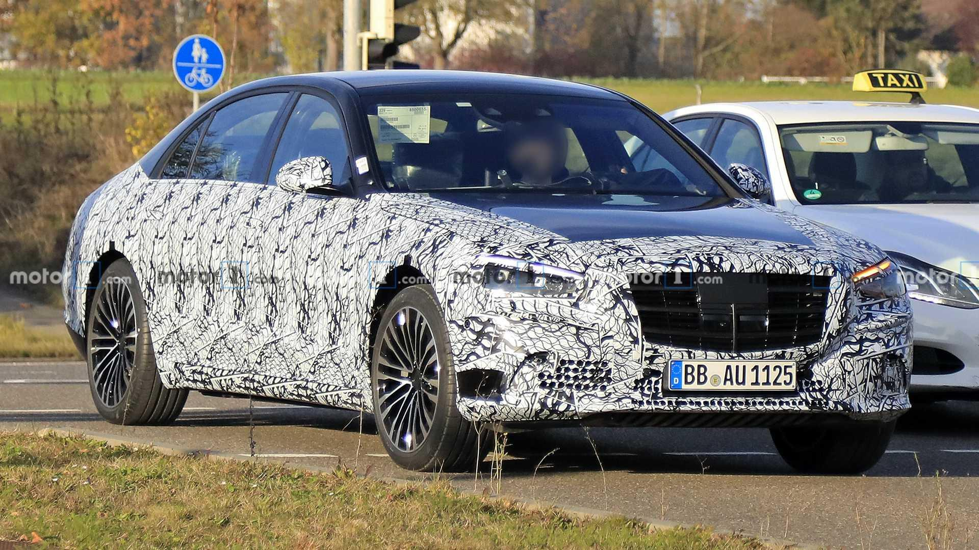 2021 Mercedes S-Class spied with less camo, still luxurious
