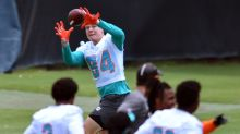 Dolphins Sign Rookie Long